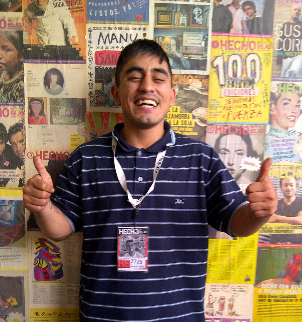 Jonathan Lucero sells the street paper Hecho en Bs.