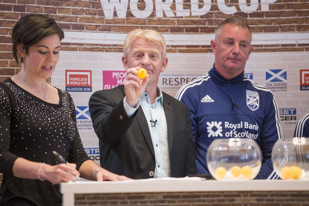 Scotland national coach Gordon Strachan helps make the draw for the 2016 Homeless World Cup in Glasgow. Photo: Homeless World Cup