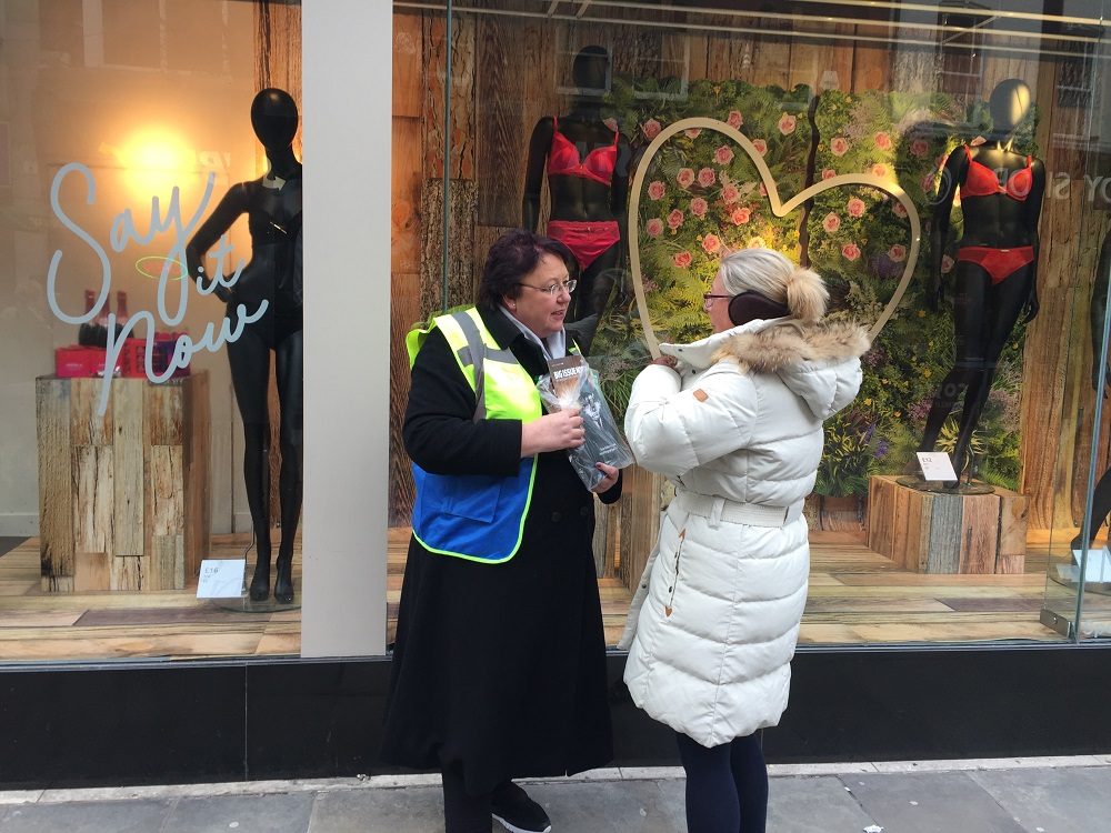 Chief Executive of Doncaster Council Jo Miller sells Big Issue north during #VendorWeek 2018 (Credit: Big Issue North)