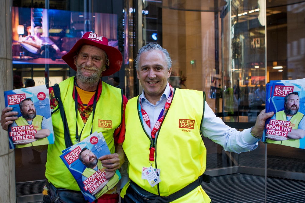 Telstra CEO Andrew Penn with vendor Dave. Credit: Shawn Vincent