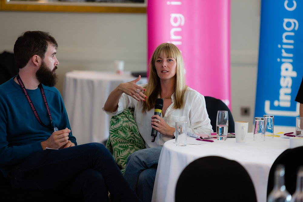 Big Issue regional manager Beth Thomas asks Suzanne Fitzpatrick a question after her keynote speech on day three of #INSP2018. Credit: Jack Donaghy
