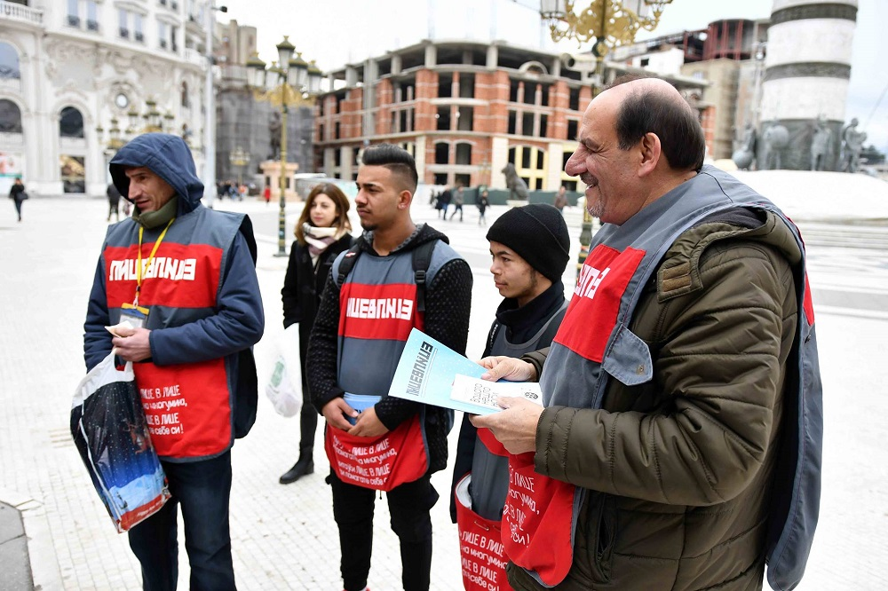 Ibraimoski sells Lice v Lice alongside vendors during #VendorWeek