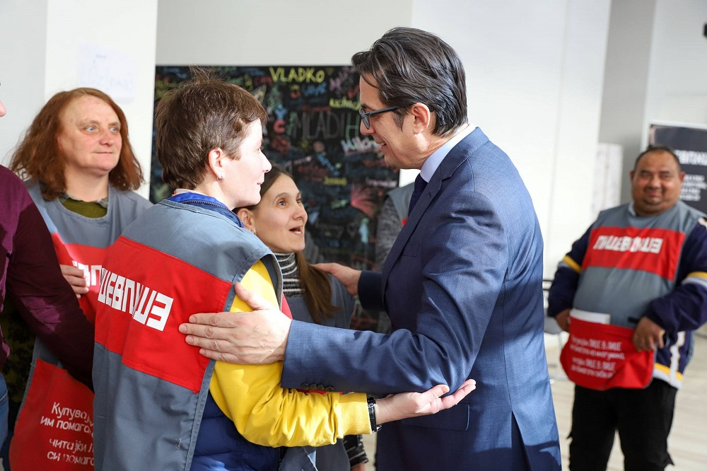 North Macedonian President Stevo Pendarovski with Lice v Lice vendors
