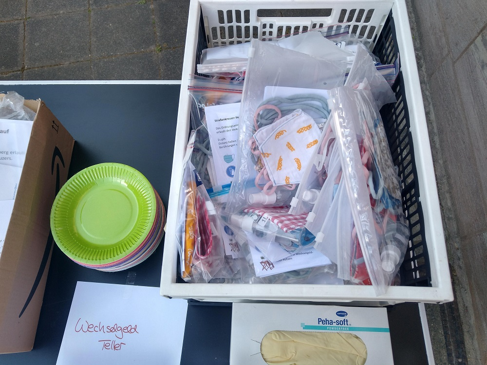 PPE donations and letters to vendors from supporters. [Courtesy of Strassenkreuzer]